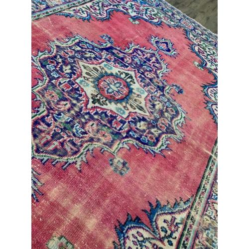 "7'3"" x 9'8"" Distressed Vintage Handmade Turkish Rug"