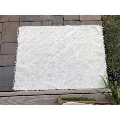 White Beauty Soft Blanket Rug 2'x3' Siirt Handmade Shaggy Area Throw
